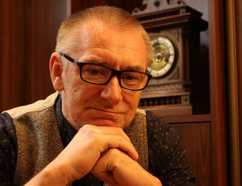 Nowa edukacja to proces, a nie jednorazowa zmiana – wywiad z dr Markiem Kaczmarzykiem